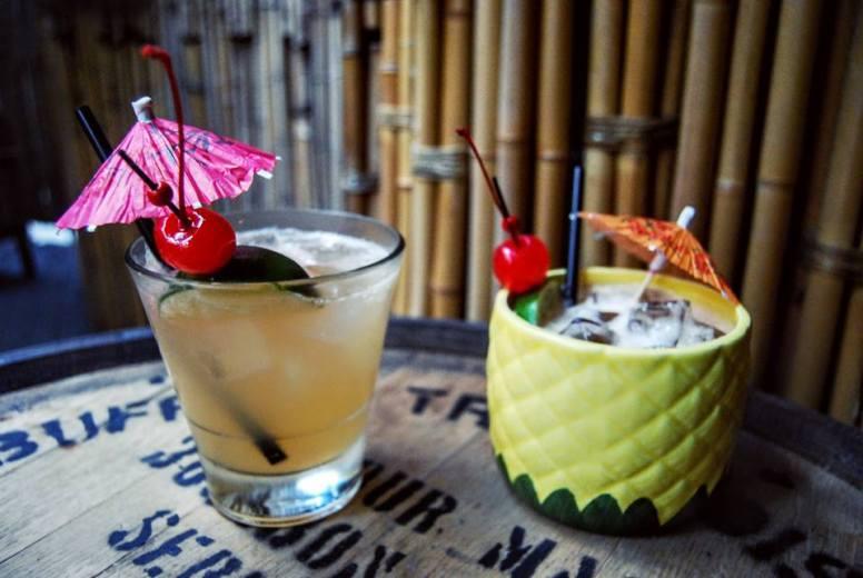 Honi Honi fremstiller uden sammenligning nogle af de bedste – og stærkeste – cocktails i Hongkong.
