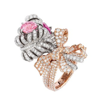 'Double Panache'-ringen fra Diors 'Versailles'-kollektion. Af 18 karat hvidguld og pink guld med diamanter og pink spineller.