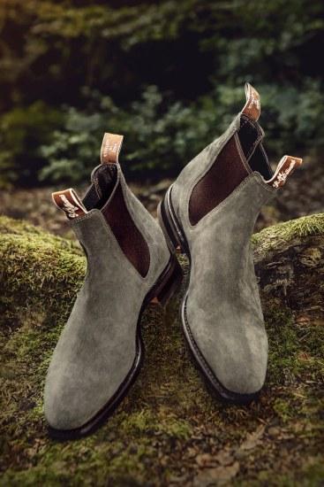 Støvlerne fås i et utal af farver og skind. Her et par Blaxland i olivenfarvet ruskind.