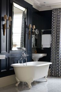 10 Spectacular Luxury Bathroom Mirrors That Will Delight