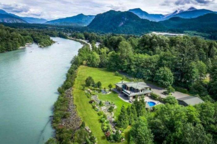 the sanctuary squamish airbnb 2
