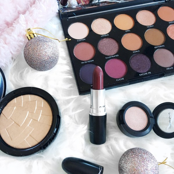 How to Manage Blogmas | Makeup Flatlay