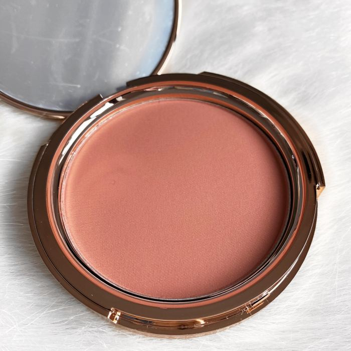 Jolie Beauty Blusher in the shade Rendezvous