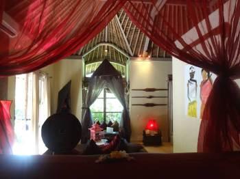 angela-asia-bali-luxury-travel-blog-best-bali-honeymoon-package-villa-mathis-romantic-seminyak-43
