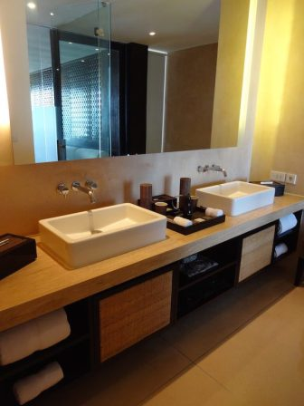 angela-asia-luxury-travel-blog-bali-best-seminyak-5-star-hotel-spa-on-beach-anantara-2