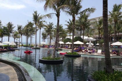 angelas-asia-luxury-travel-blog-best-w-hotel-resort-seminyak-bali-ocean-beach-front-5-star-14