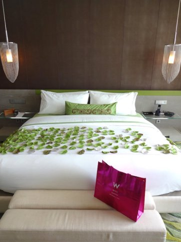 angelas-asia-luxury-travel-blog-best-w-hotel-resort-seminyak-bali-ocean-beach-front-5-star-6