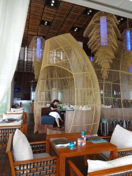 angelas-asia-luxury-travel-blog-best-w-hotel-resort-seminyak-bali-ocean-beach-front-5-star-95
