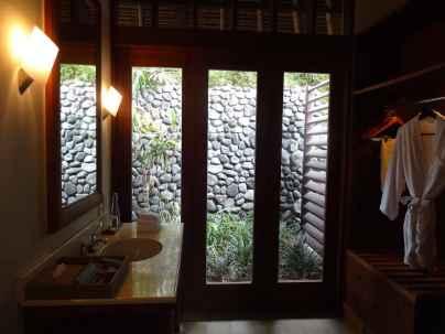 best-5-star-hotel-villa-ubud-alila-bali-luxury-bucket-list-blog-angela-carson-19