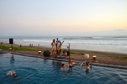 best-bar-sunset-session-on-the-beach-alila-seminyak-bali-angela-carson-luxury-bucket-list-4