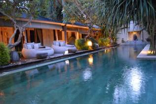 best-private-villa-groups-seminayk-luxury-3-bedroom-the-bali-agent-angela-carson-31