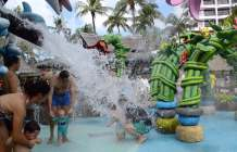 sands-penang-best-hotel-for-kids-kid-friendly-things-to-do-splash-pad-4