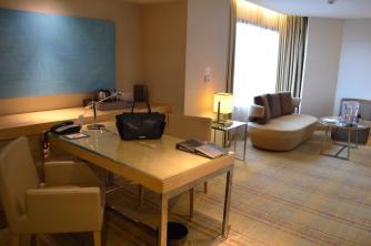 double-tree-hilton-kuala-lumpur-club-room-lounge-tosca-italian-restaurant-suite-tour-angela-carson-luxurybucketlist-1