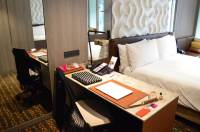 best-hotel-near-singapore-airport-crowne-plaza-changi-asia-luxury-travel-blogger-angela-carson-1
