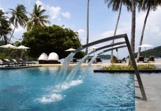 crowne-plaza-phuket-panwa-beach-video-tour-review-expat-angela-asia-luxury-travel-vlogger-37