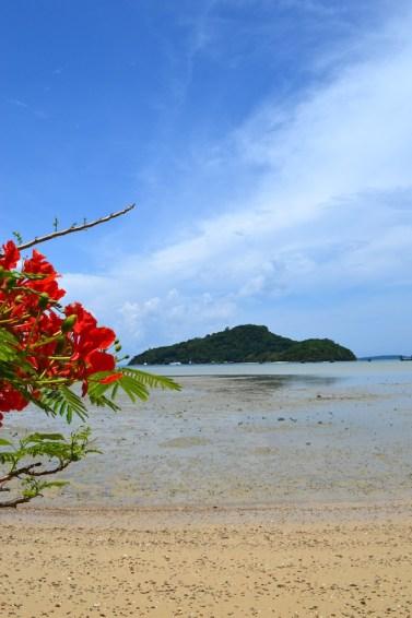 crowne-plaza-phuket-panwa-beach-video-tour-review-expat-angela-asia-luxury-travel-vlogger-4