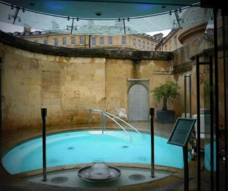 Cross Bath - www.luxurycolumnist.com