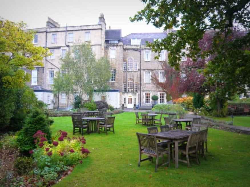 Royal Crescent garden - www.luxurycolumnist.com