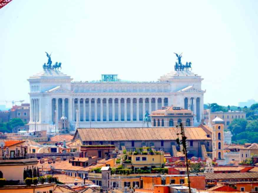 Monument Emanuele Vittorio II
