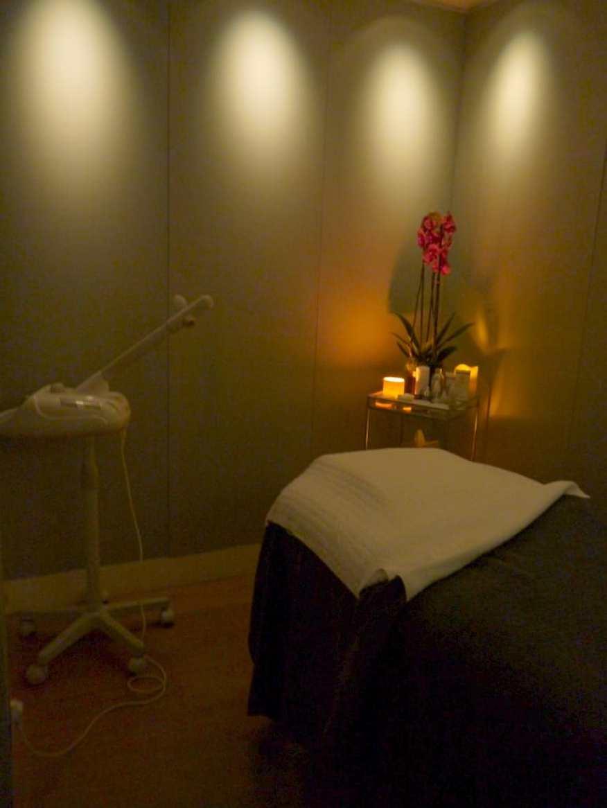 One Aldwych spa treatment room