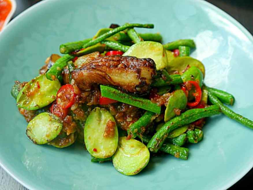 Yauatchae spicy aubergine