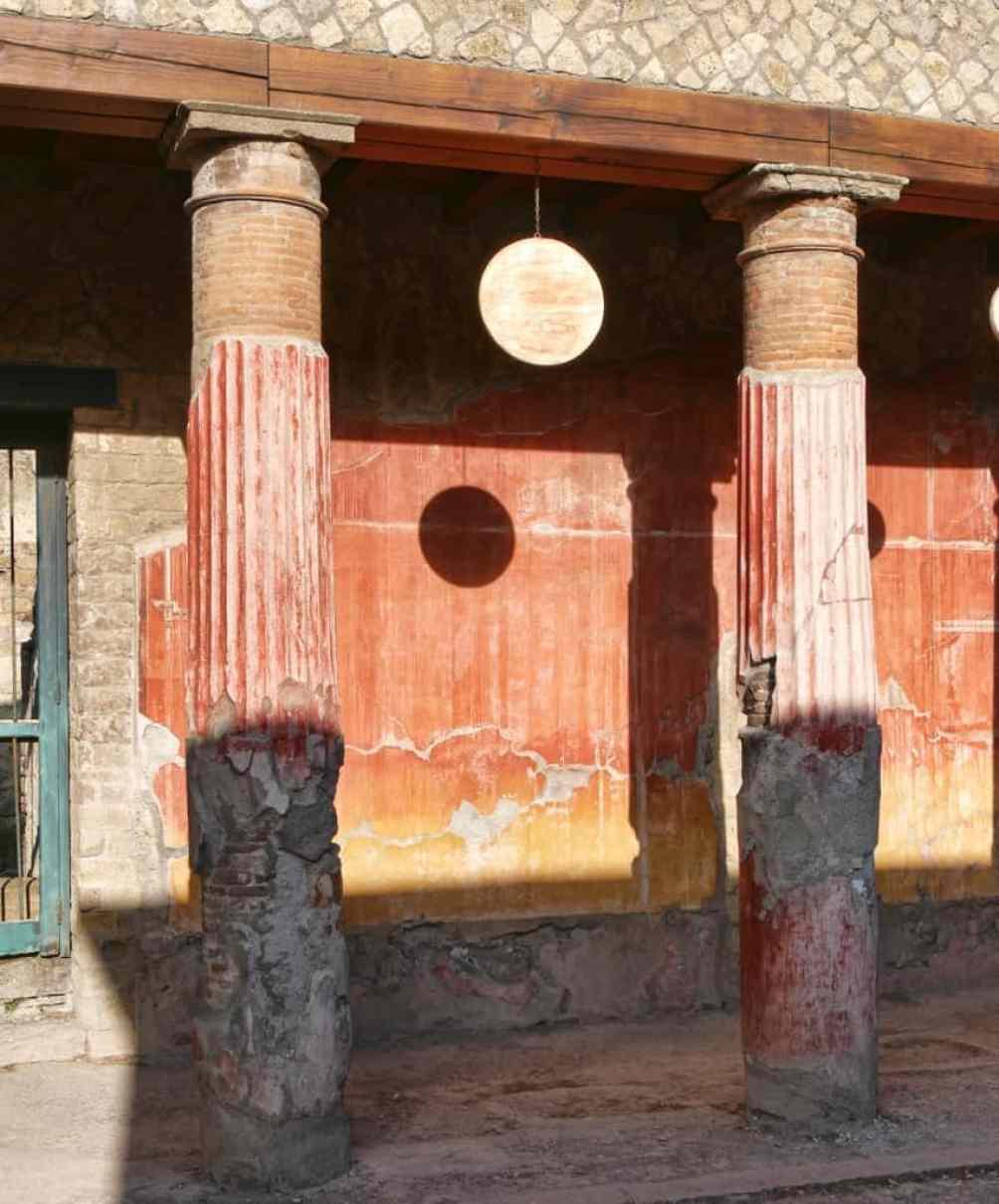 visit Herculaneum