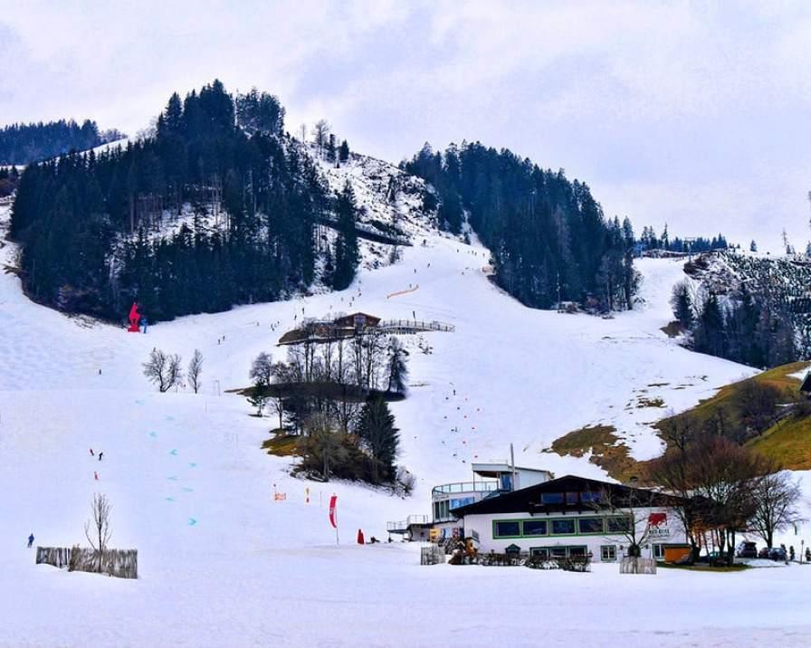 kitzbuehel-ski-descent