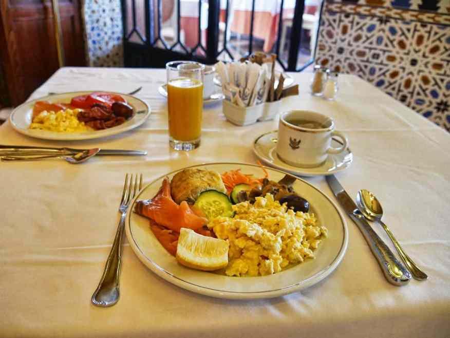 alhambra_palace_hotel_breakfast