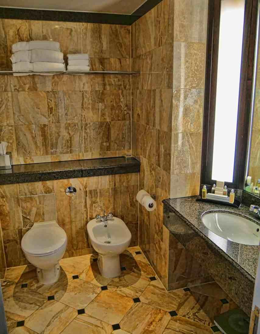 Marriott Grosvenor Square bathroom