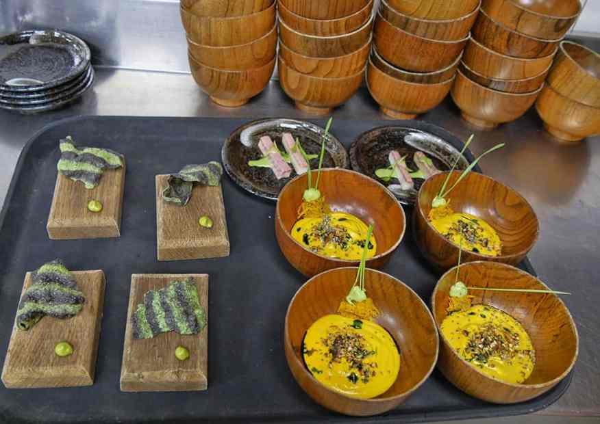 Marriott Grosvenor Square club lounge food