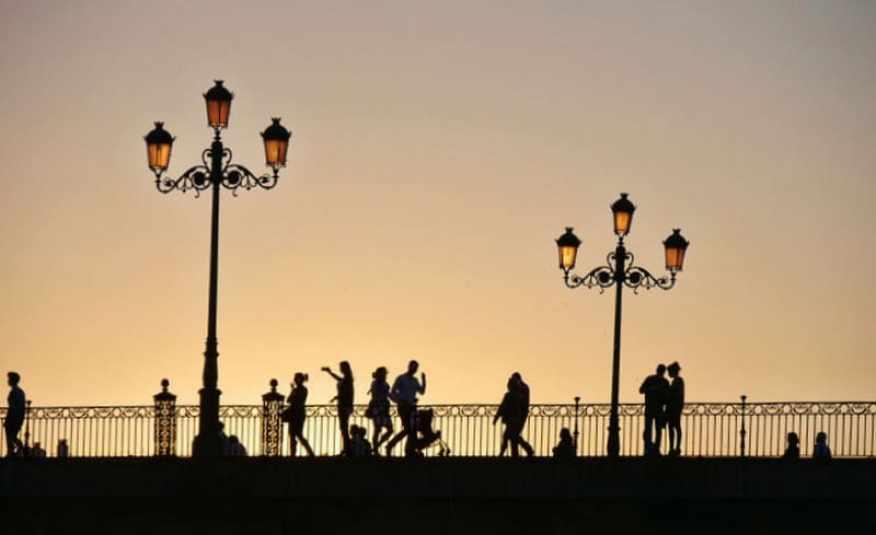 Seville_bridge_silhouettes