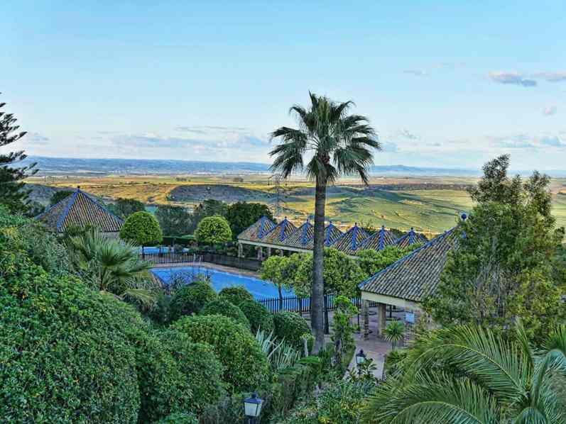 Carmona where to stay
