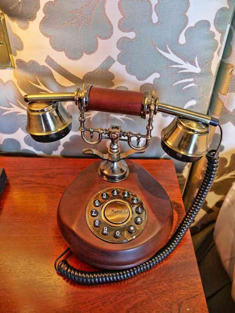 landmark-london-phone