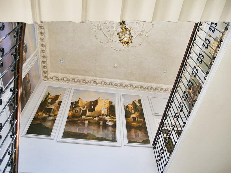 merrion-hotel-dublin-staircase