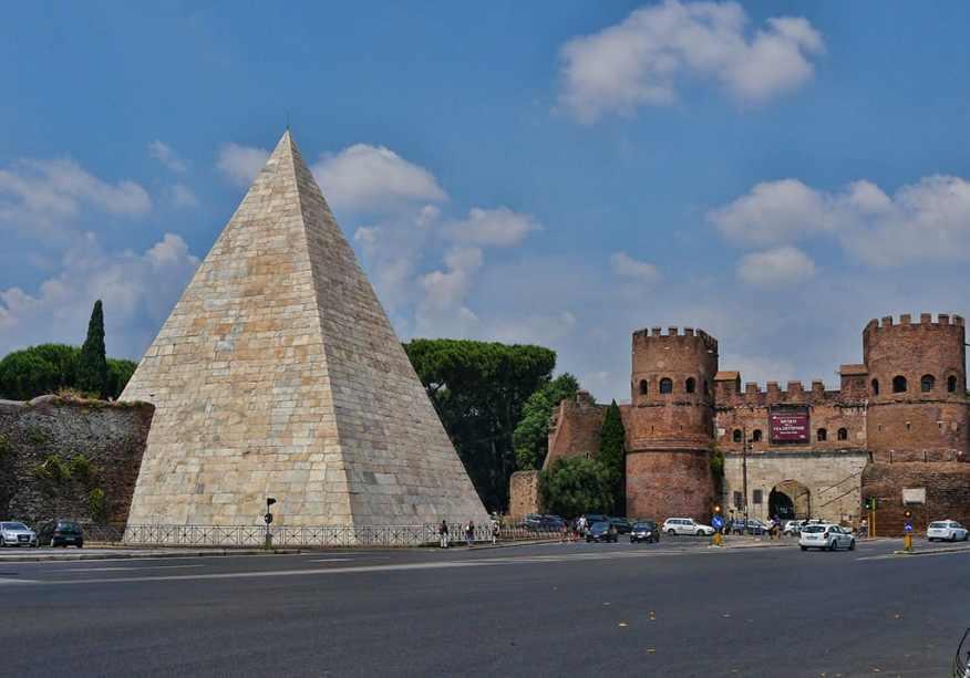 pyramid-of-cestius-luxury-columnist