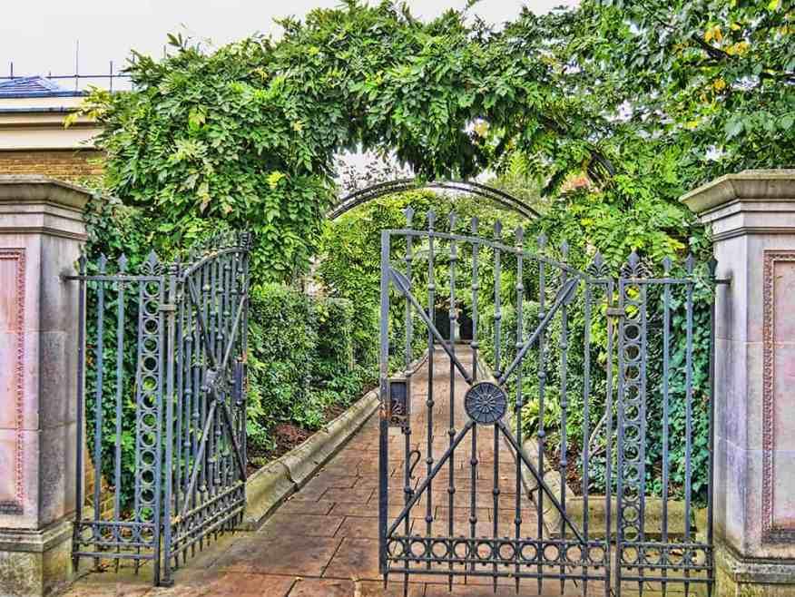 secret-garden-regents-park-luxury-columnist