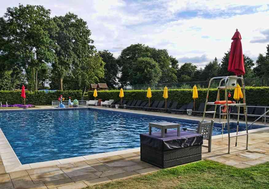 runnymede_hotel_pool