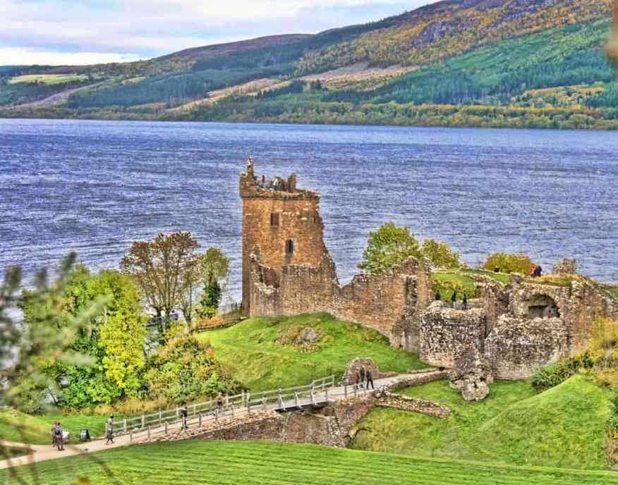 urquhart_castle_scotland