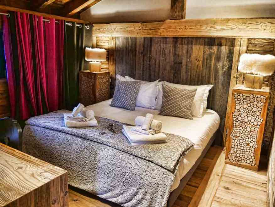 hip-hideouts-bedrooms-val-d'isere