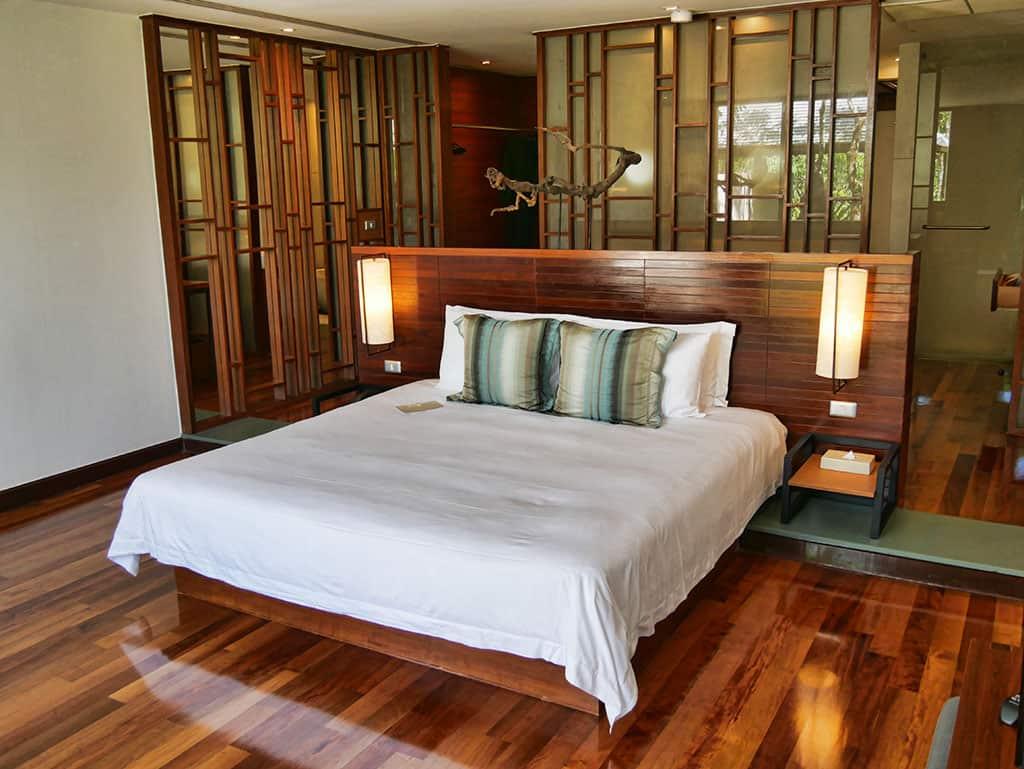 the-sarojin-bedroom