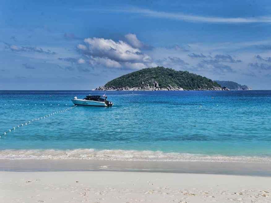 the-sarojin-boat-trip-island