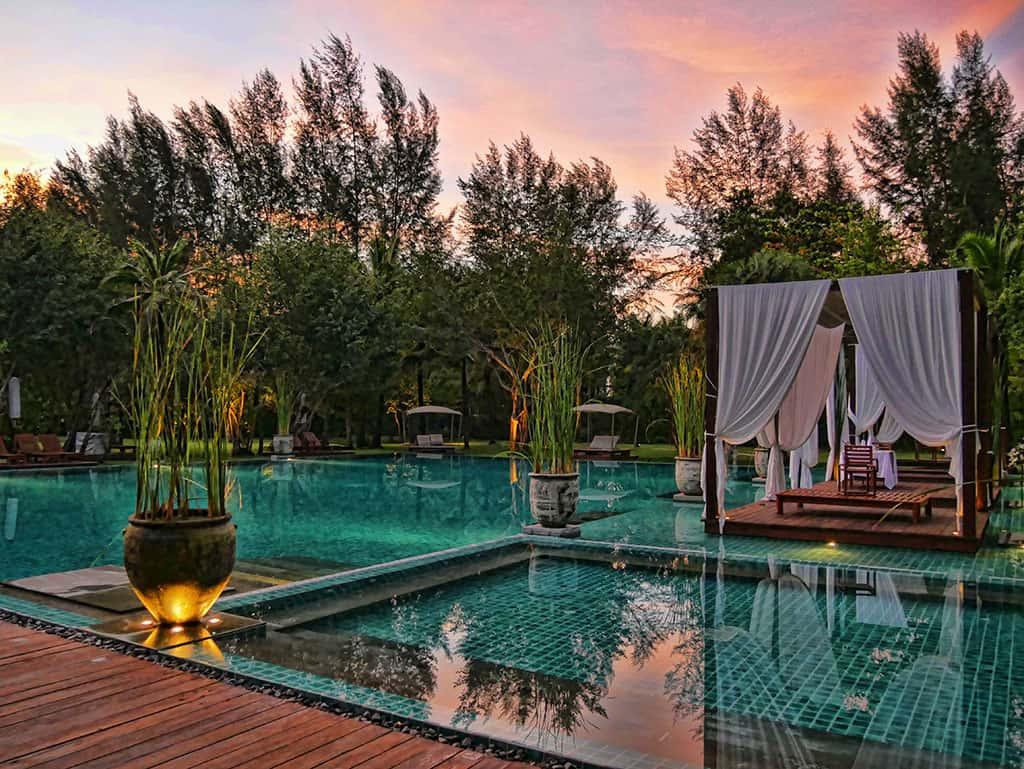 the-sarojin-sunset-pool