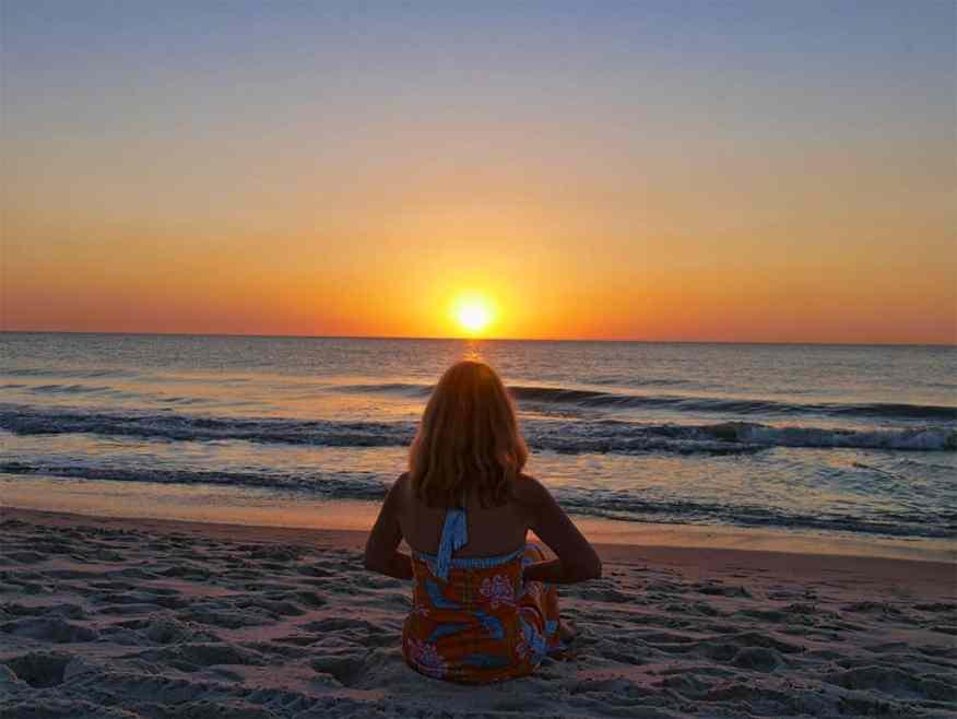 naples-beach-luxury-columnist
