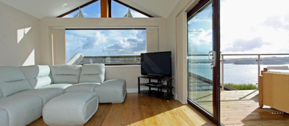 Top 10 luxury seaview holiday apartments to rent in Newquay  Luxury Cornwall  LuxuryCornwallcom