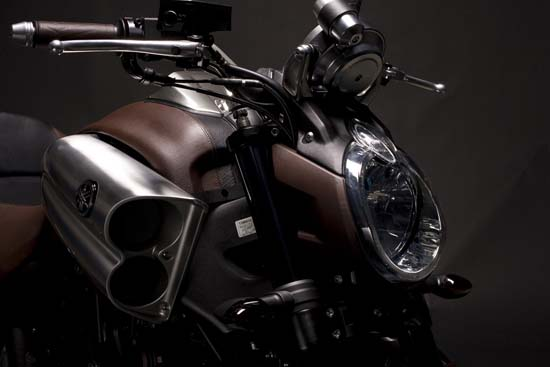 Hermes Yamaha V-Max close up