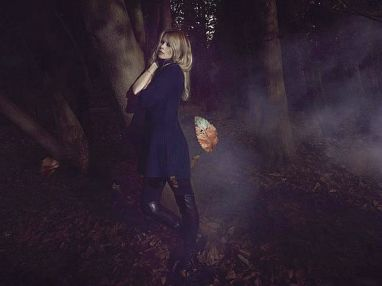 Claudia-Schiffer-Cashmere3