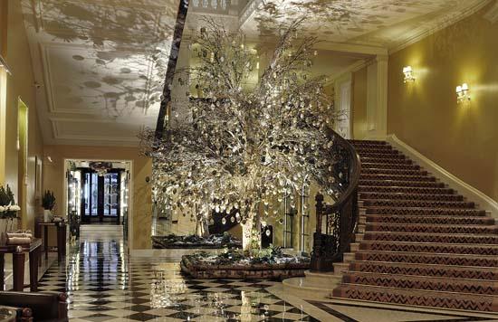 Christmas-tree-mcqueens-2012-01