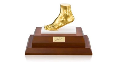 leo-messi-golden-foot-miniature