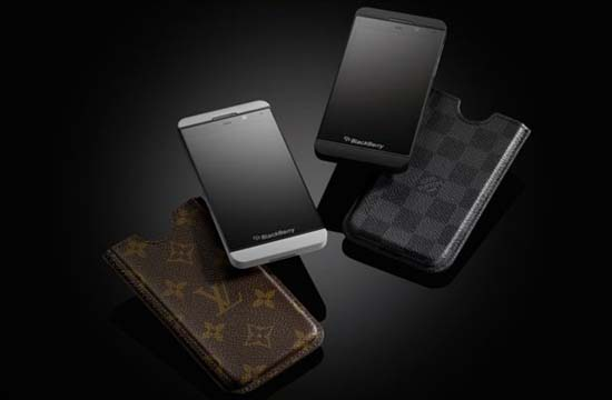 louis-vuitton-case-for-blackberry-z10-2