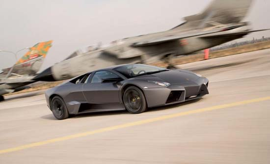 The Reventon has a 6.5liter V12 engine , catapulting the Roadster from 0 to 100 Km/h (0 to 62 mph) in 3.4 seconds and onwards to a top speed of 330 KM/h (205 mph).